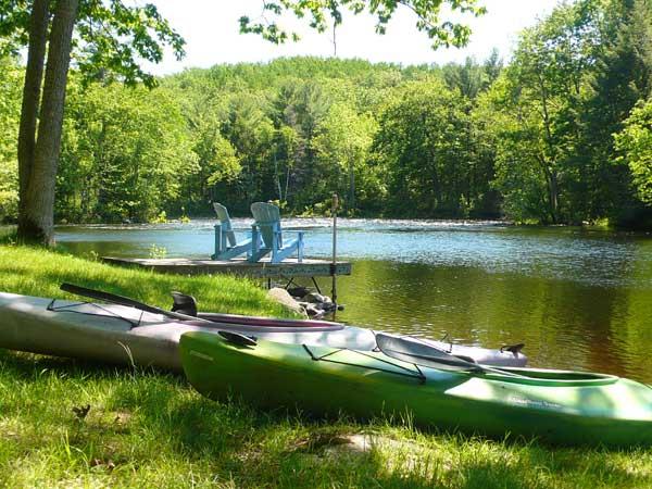 kawartha cottage rental kayaks